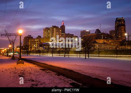 Saint Paul Minnesota skyline at dusk  in winter. - Stock Image