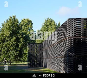 View of eastern entrance. Serpentine Summer Pavilion 2018, London, United Kingdom. Architect: Frida Escobedo, 2018. - Stock Image