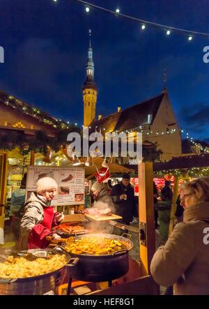 Christmas Fair, Tallinn, Estonia, medieval old town, town hall, local meals, market - Stock Image