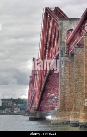 Hdr image of the World famous Forth Rail Bridge spanning the Firth of Forth, Scotland. - Stock Image