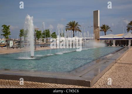 Portugal, Algarve, Portimao, Water Fountain on Largo 1 De Dezembro - Stock Image