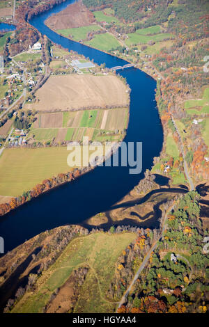 The Connecticut River between East Thetford, Vermont and Lyme, New Hampshire. - Stock Image