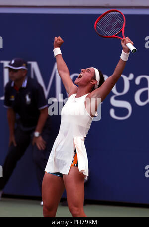 Flushing Meadows, New York - August 30, 2018: US Open Tennis:  Caroline Garcia of France celebrates her second round victory over Monica Puig of Puerto Rico at the US Open in Flushing Meadows, New York. Credit: Adam Stoltman/Alamy Live News - Stock Image