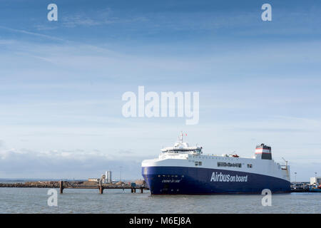 The Ciudad De Cadiz roll-on/roll-off ferry docking in Ramsgate carries parts for the Airbus A380 aircraft between - Stock Image