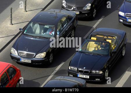 mercedes BMW cars gridlock berlin germany deutschland motoring black waiting  queue line - Stock Image