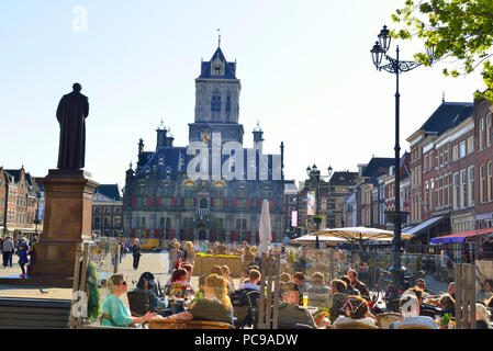 The main square or Markt Square  in the centre of Delft with a view of the Town Hall or Stadhuis Delft,  Holland, Netherlands - Stock Image