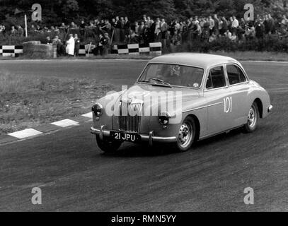 1957 MG Magnette ZB. A.T Foster. Brands Hatch 8/6/1958 - Stock Image
