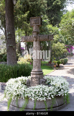 A Cross in a Church Garden in the San Angel Neighbourhood of Mexico City - Stock Image