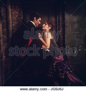FUNNY GIRL (1968). Pictured:  Barbra Streisand, Omar Sharif.  Copyright Columbia Pictures.  Editorial use only. - Stock Image