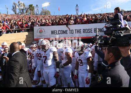 Pasadena, CA. 01st Jan, 2016. Stanford gets ready to take the fieldduring the 2016 Rose Bowl game between the Stanford - Stock Image