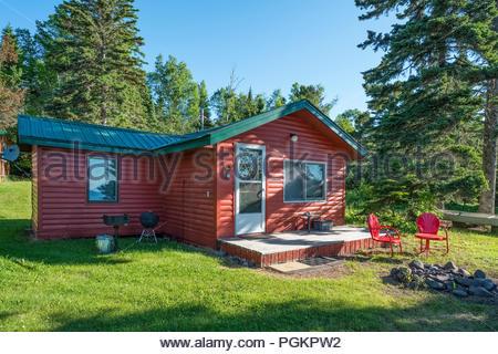 Cabins located a short walk from Lake Superior, near Grand Marais, Minnesota, USA. - Stock Image
