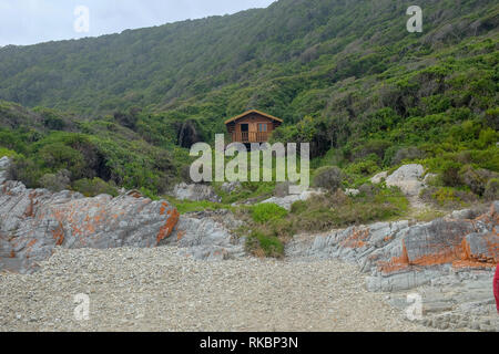 A view of a hiking hut on the Otter Trail in South Africa - Stock Image