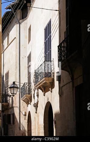 Seitenstraße im La Lonja Stadtviertel, Palma, Mallorca, Spanien. - Side street in the La Lonja district, Palma, - Stock Image