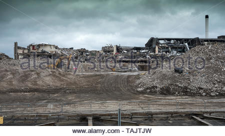 Imperial Tobacco factory, Nottingham, England, UK, Demolition machines working on site - Stock Image