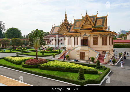 Hor Samran Phirun building inside the Royal Palace Complex in Phnom Penh, Cambodia. - Stock Image