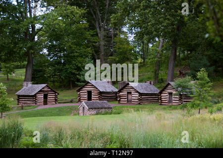 Replica cabins like ones Revolutionary War soldiers used, Valley Forge, Pennsylvania. - Stock Image