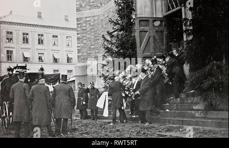 HENRIK IBSEN (1828-1906) Norwegian playwright. Oslo funeral in June 1906. - Stock Image
