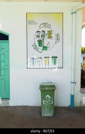 Asia recycling - Maldives recycle bin, Ukulhas island, Alif Alif atoll, Maldives Asia - Stock Image