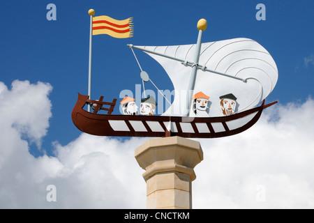 Gedenkstatue für die Kartographen Cresques, Palma, Mallorca.   Memorial statue for the cartographers Cresques, - Stock Image