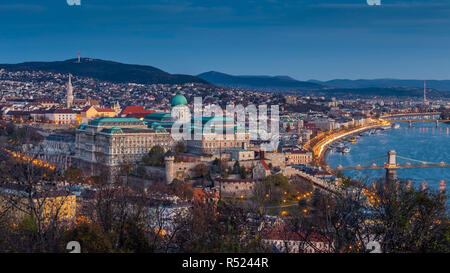 Budapest, Hungary - Beautiful Buda Castle Royal Palace and Matthias Church on a panoramic skyline view of Budapest in the morning at autumn - Stock Image