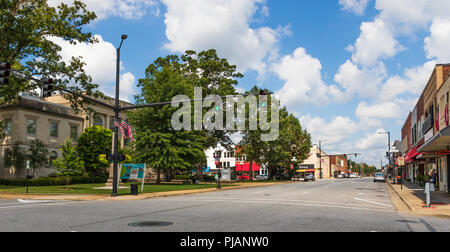 NEWTON, NC, USA- A view of a main street in the small southern town, seat of Catawba county. The old courthouse is in the left foreground. - Stock Image