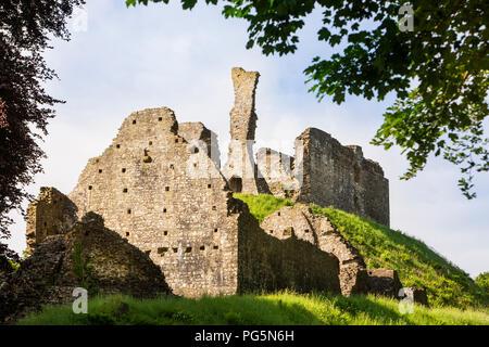 UK, England, Devon, Okehampton, remains of medieval motte and bailey castle - Stock Image