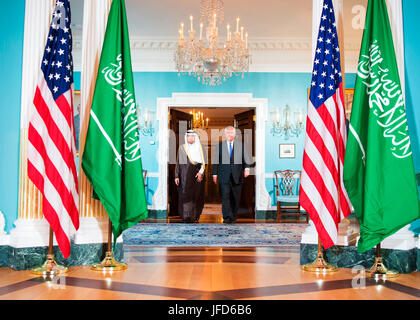 U.S. Secretary of State Rex Tillerson and Saudi Foreign Minister Adel al-Jubeir prepare to address reporters before - Stock Image