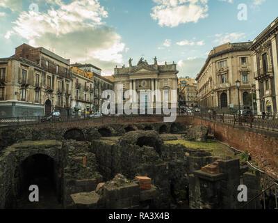 Anfiteatro Romano di Catania in Piazza Stesicoro, Catania, Island of Sicily, Italy - Stock Image