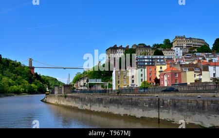 River Avon, Bristol suspension bridge, Hotwells and Clifton houses - Stock Image