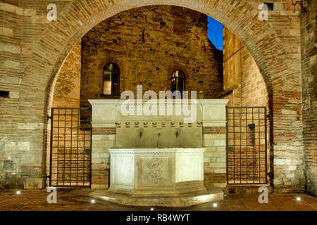 Fountain of Via Maestà delle Volte, Perugia Italy - Stock Image