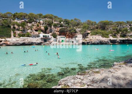 Bucht und Strand Cala Llombards, Santanyi, Ostküste, Mallorca, Balearen, Spanien - Stock Image