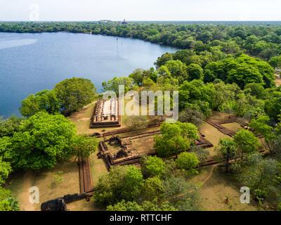 Palace Complex of King Nishshanka Malla, Nissanka Malla, Kirti Nissanka or Kalinga Lokesvara, Polonnaruwa, Sri Lanka, Asia. Mausoleum. Ruins overgrown - Stock Image