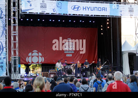 Montreal, Canada. 7/6/2018 Layla Zoe from B.C. performs on stage at the Montreal International Jazz Festival. Credit: richard prudhomme/Alamy Live News - Stock Image