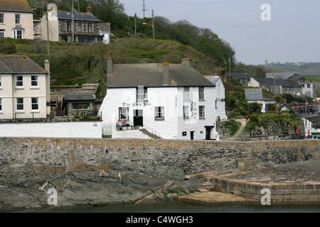 The Ship Inn, Porthleven Harbour, Cornwall, UK - Stock Image
