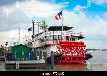 Mississippi steamboat, view of the Natchez paddle steamer moored along the Mississippi Riverfront in New Orleans, Louisiana, USA. - Stock Image