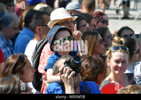 Karlovy Vary, Czech Republic. 28th June, 2019. The 54th Karlovy Vary International Film Festival begins on June 28, 2019, in Karlovy Vary, Czech Republic. On the photo are seen people waiting for the red carpet. Credit: Slavomir Kubes/CTK Photo/Alamy Live News - Stock Image