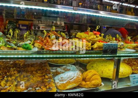 Pinchos, tapas, market cafe, Mercat de Santa Catalina, market hall, Palma, Mallorca, Balearic islands, Spain - Stock Image