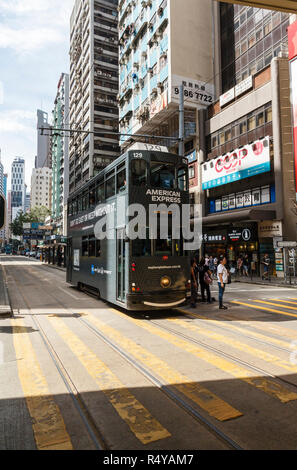 A tram on Hennessy Road, Hong Kong Island - Stock Image