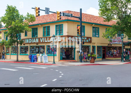 ESTES PARK, CO, USA-18 JULY 18: A street-corner on the gateway town to Rocky Mountain National Park. - Stock Image