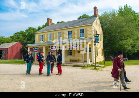 Old Bethpage, New York, USA. 30th August, 2015. A 19th Century gentleman wearing a top hat, and American Civil War - Stock Image