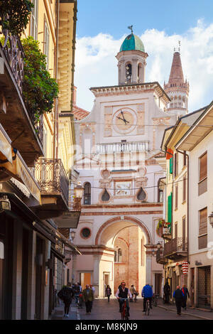 The Arco del Torrazzo, Crema, Italy, a Renaissance triumphal arch gate of c. 1520 connecting Via XX Settembre with - Stock Image