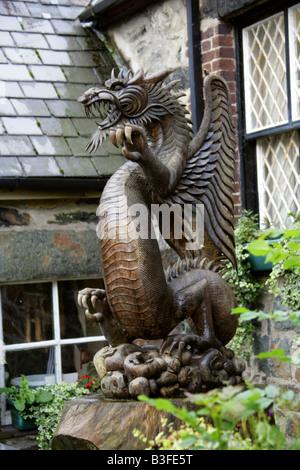 Welsh Dragon Statue, Beddgelert, Gwynedd, North Wales - Stock Image