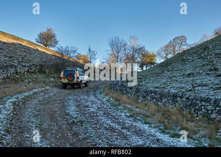 Land Rover on a Green Lane near Wormhill. Peak District National Park, Derbyshire, England. - Stock Image
