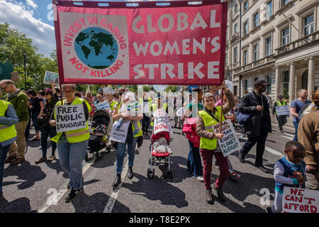 London, UK. 12th May 2019. Global Women's Strike on the XR International Mothers Day March by several thousand mothers, children and some fathers from Hyde Park Corner to a rally filling Parliament Square, backing Extinction Rebellion's call for the drastic and urgent action needed to avert the worst consequences of climate change, including possible human extinction. Our politicians have declared a climate emergency but now need to take real action rather than continuing business as usual which is destroying life on our planet. Peter Marshall/Alamy Live News - Stock Image