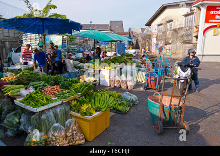 Central outdoor market, at Soi Phisai Sapphakit, Phuket town, Thailand - Stock Image