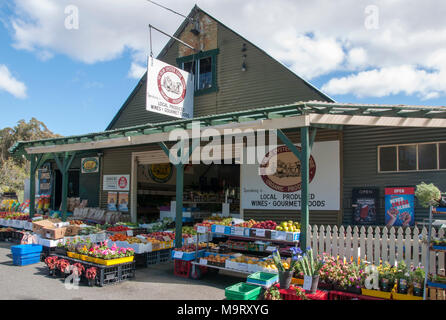 Local produce outlet on the Channel Highway at Oyster Cover, southern Tasmania, Australia - Stock Image