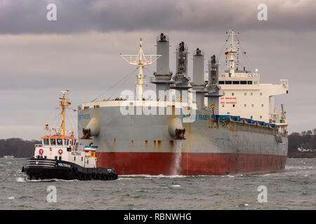 Handysize bulkcarrier Action Trader entering Holtenau locks (Kiel Canal) - Stock Image