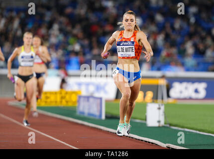 YOKOHAMA, JAPAN - MAY 12: Lisanne De Witte of The Netherlands wins the women's 4x400m relay final B during Day 2 of the 2019 IAAF World Relay Championships at the Nissan Stadium on Sunday May 12, 2019 in Yokohama, Japan. (Photo by Roger Sedres for the IAAF) - Stock Image