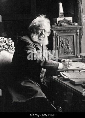 HENRIK IBSEN (1828-1906) Norwegian playwright in his study in 1900. - Stock Image
