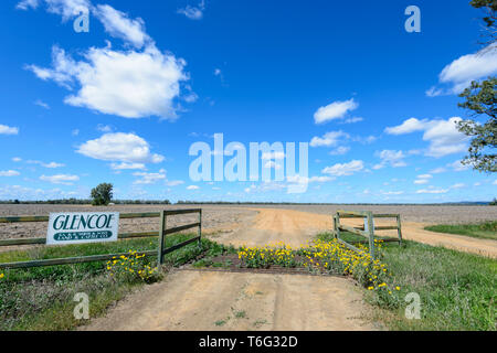 Entrance of Glencoe Station, a pastoral lease near Cunnamulla, South West Queensland, QLD, Australia - Stock Image